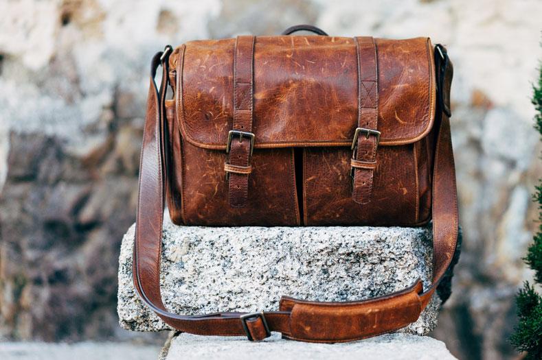 Коричневая сумка с ремешком