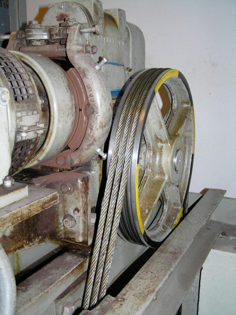 Редукторный электрический привод