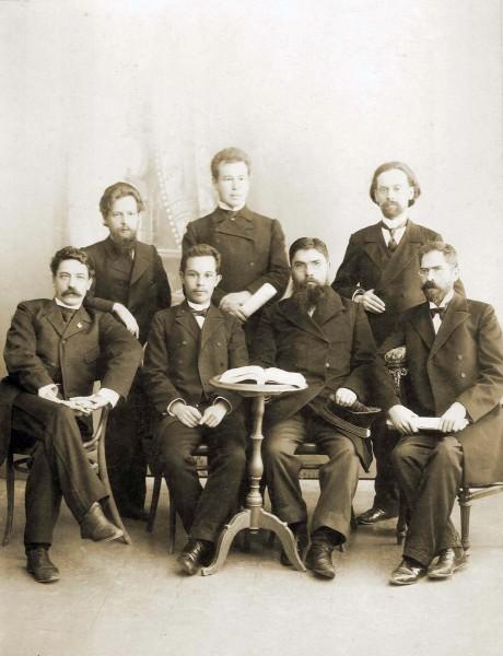Павел Бажов (стоит слева) среди учителей Духовного училища. Конец 1890-х гг.